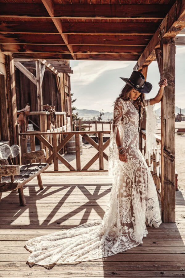 bohemian lace wedding dresses