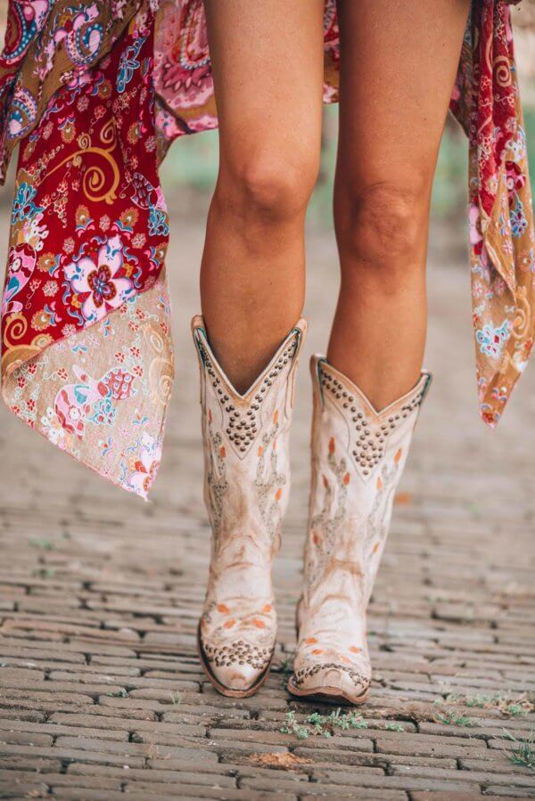 how to style your cowboy boots